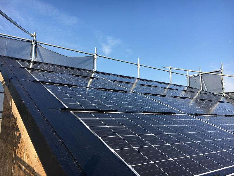 新築工事太陽光パネル